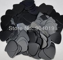 100 pcs new medium 0.71mm Blank guitar picks Solid Black No Print(China (Mainland))