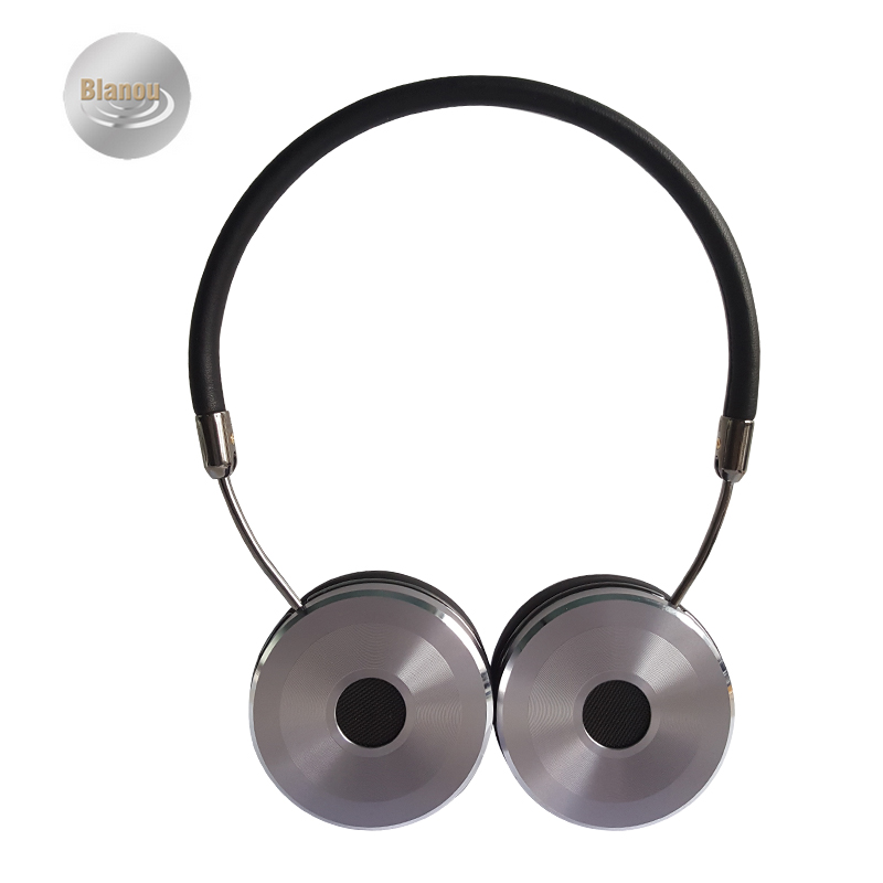 Cool 3.5mm Wired Stereo Headband Headphones Soft Leather Earcups Man Foldable Handsfree Headset with Special Storage Bag BH869(Hong Kong)