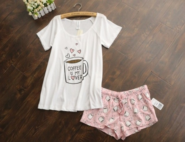 Cute pajamas sets with white and pink /grey and green color coffee cups printed women pajama sets hot selling(China (Mainland))