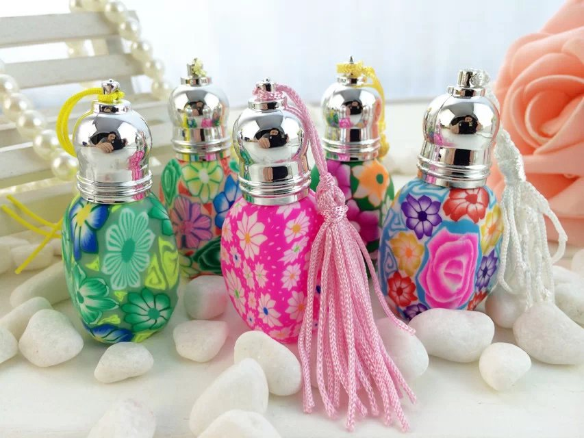 50pcs/set 5ml Empty Fimo Essential Oil Bottle with Roll On Applicator ,5ml Polymer Clay Stained Decoration Metal Cap withTassel<br><br>Aliexpress