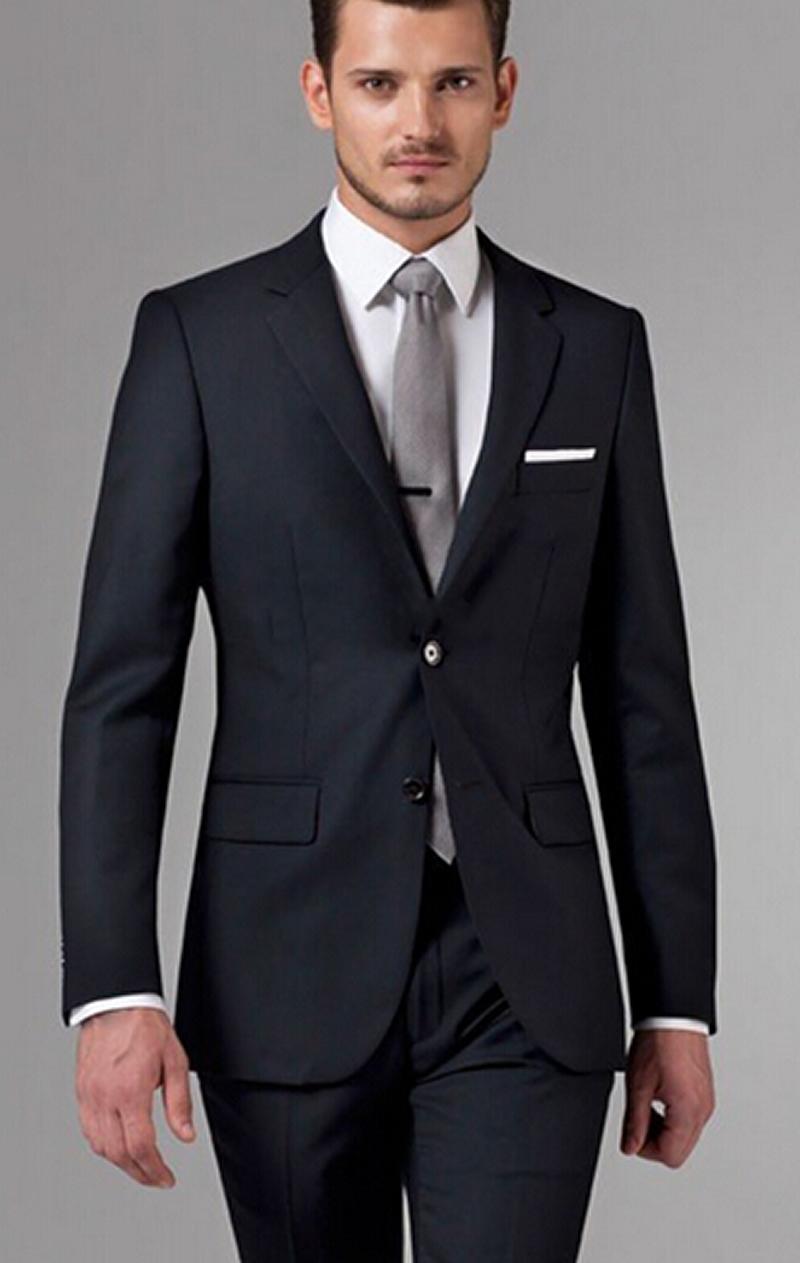 Trajes para hombre Aldo Conti. Aldo Conti siempre se ha distinguido por tener los trajes para caballeros más elegantes de México. Se trata de trajes para caballero confeccionados por los mejores diseñadores y con el más puro estilo italiano.