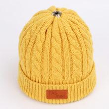 Outono e inverno das crianças chapéus de algodão de malha quente e confortável chapéu de esqui cor sólida moda menino menina universal pompom bonés(China)
