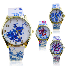 Popular Elegant Ethnic style Watches for Girls with Analog Elegant Flowers Pattern Quartz Wrist Watches NO181 5V5S 3Y3FD