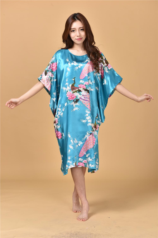 Plus size long satin robe promotion achetez des plus size for Robes formelles plus la taille pour les mariages