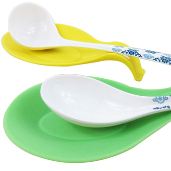 Fantastic 1Pc Silicone Spoon Insulation Mat Placemat Drink Glass Coaster Tray