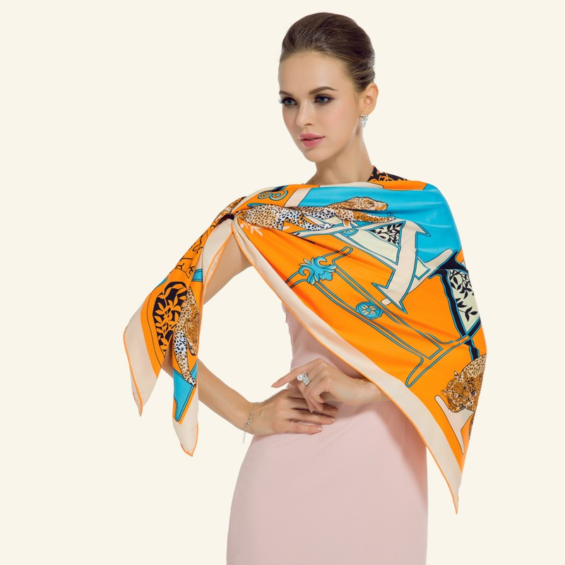 Luxury-Women-Brand-Silk-Scarf-Fashion-Leopard-Flower-Letter-Lady-Shawl-130cm-Big-Square-Pashmina-Hot (4)
