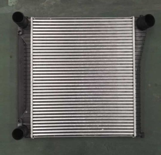 LR022738 high quality LR Range Rover 2010 2012 Car Intercooler 4 4L Diesel charge air cooler
