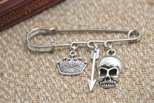 12pcs Shakespeare inspired Hamlet themed charm kilt pin brooch (38mm)