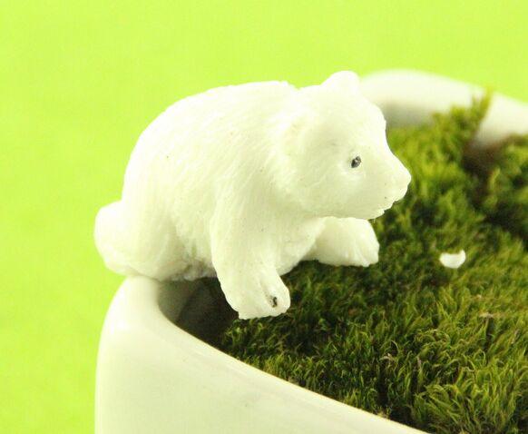 White Polar Bear Various Animal Miniature Resin Garden House Decoration Figurines Mini Animal Sweet Home Supplies(China (Mainland))