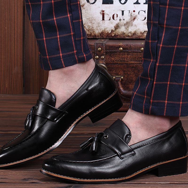 Men flats Genuine Leather Shoes Male moccasins Slip on Soft Autumn Breathable Tassel Wedding Business Shoes For Mens moccasins<br><br>Aliexpress