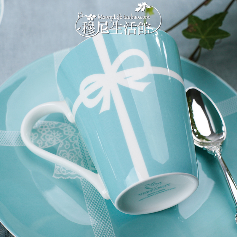 Tiffany blue bow bone china mug Valentine breakfast milk ceramic cup creative wedding gift(China (Mainland))