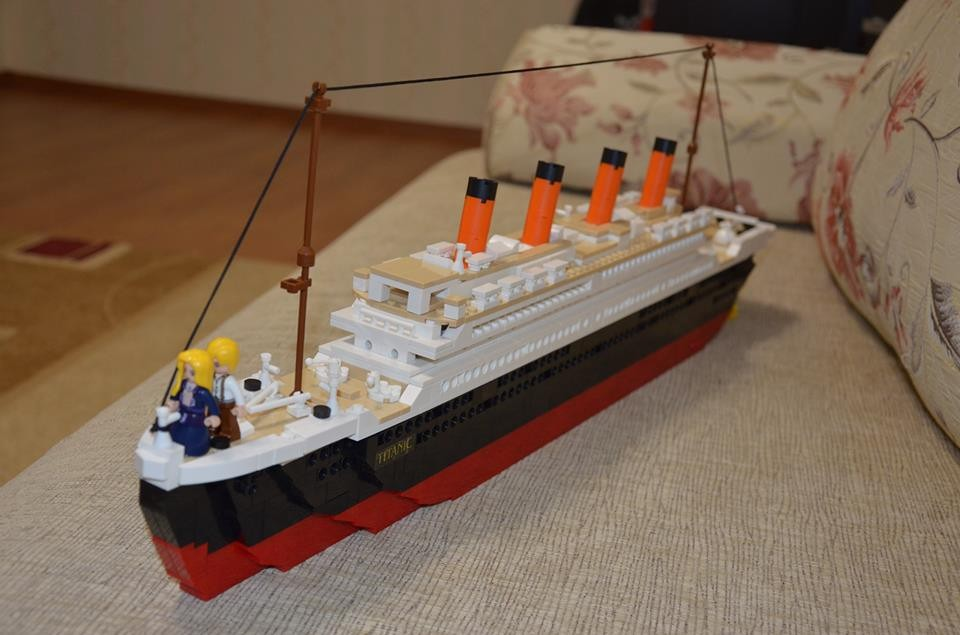 Toys R Us Titanic Model : Model building kits compatible ᗑ with lego city