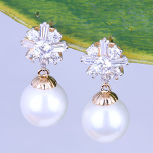 Elegant Beautiful White Pearl CZ Diamond for Weddings Drop Earrings X0249(China (Mainland))