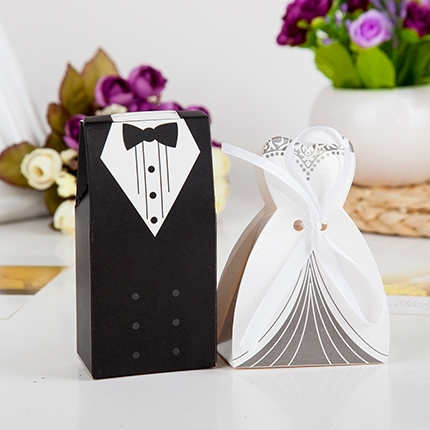 100pcs Paper Candy Box Bride and Groom with ribbon Wedding Favor Party decoration supplies(China (Mainland))