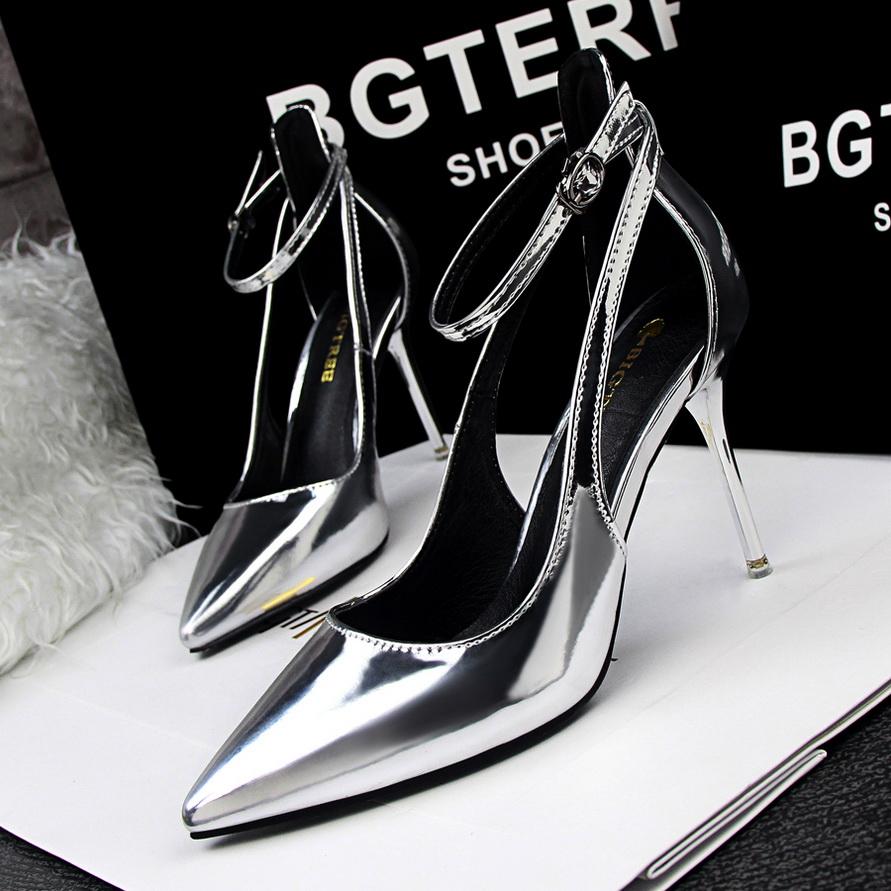 Bow Wedge Heels