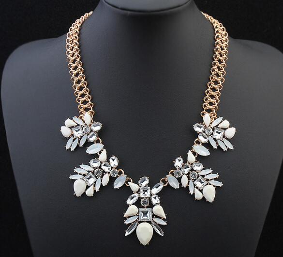 Vintage Sweet Flower waterdrop Necklace Bowknot Chain Short Party Jewelry Cheap For Women(China (Mainland))