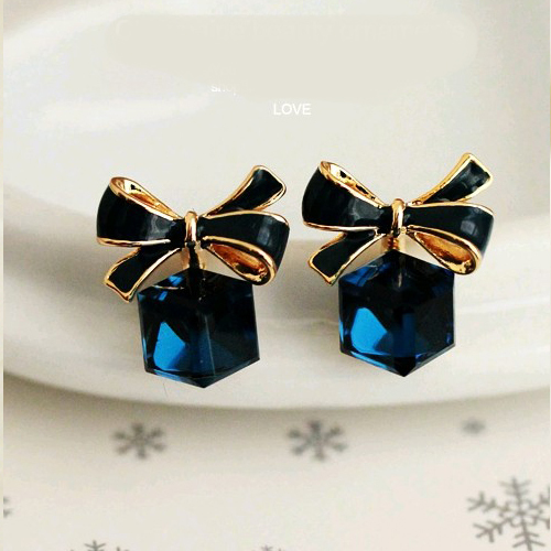 Гаджет  2015 New Korean Fashion Earrings For Women Cute Blue Brand Butterfly Bow Resin Alloy Earring pendientes brinco Jewelry PD28 None Ювелирные изделия и часы