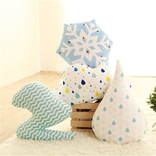Lovely pillow snowflake lightning cloud decorative pillows Down feathers Stuffed plush doll toy Pillow office sofa home decor(China (Mainland))