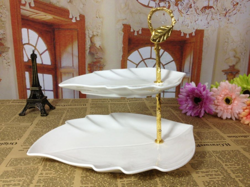 Cake Stand With Metal Bow On Cover