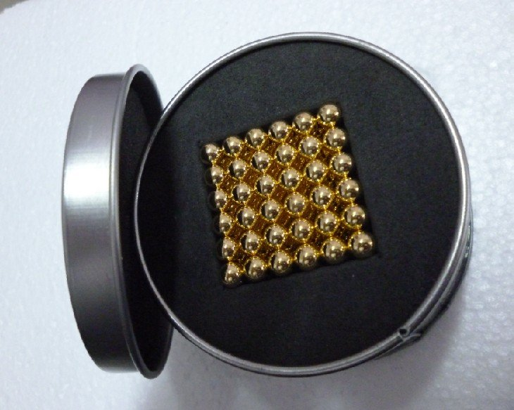 Free shipping D5mm Gold neocube buckyball toy christmas gift(China (Mainland))