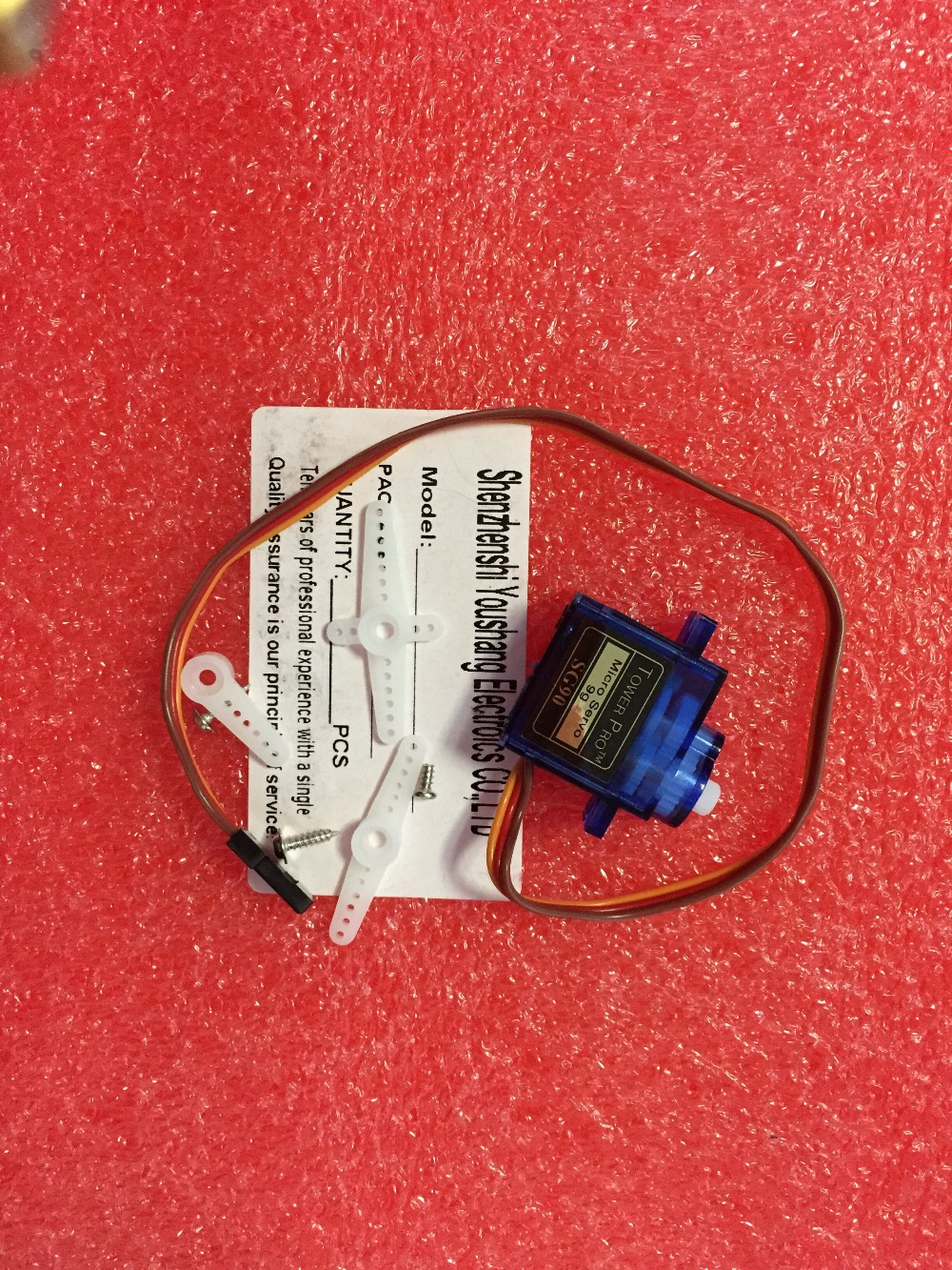 100PCS/1LOT  Free Shipping Rc Mini Micro 9g 1.6KG Servo SG90 for RC 250 450 Helicopter Airplane Car Boat