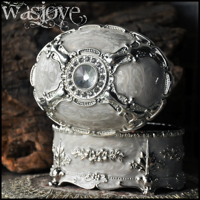 Luxury Silver White Metal Jewelry Box Jewelry Cases birthday gift the Valentine's Day gift free shipping(China (Mainland))
