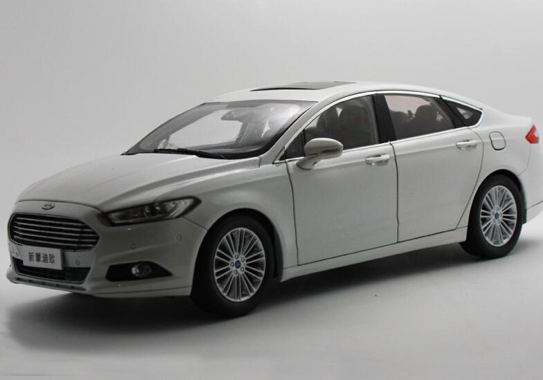 2015 hot sell Ford MONDEO 1:18 alloy car model(China (Mainland))