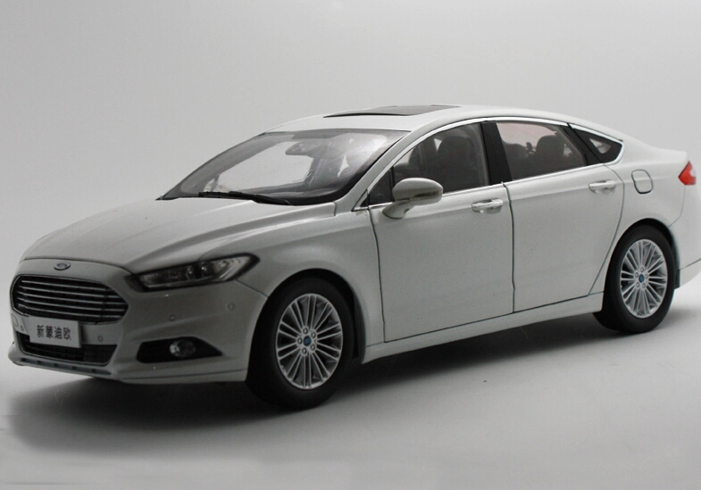 2015 hot sell Ford MONDEO 1:18 alloy car model(China (Mainland))