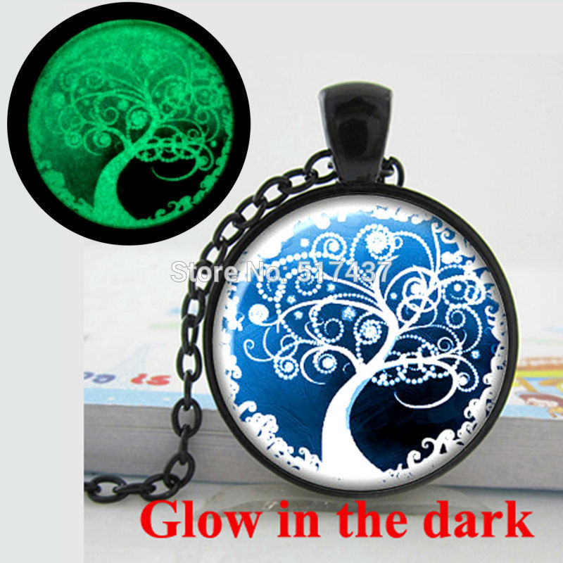 Glowing Pendant Necklace tree of life glass cabochon pendant Tree of life necklace glass art photo glow in the dark necklace(China (Mainland))
