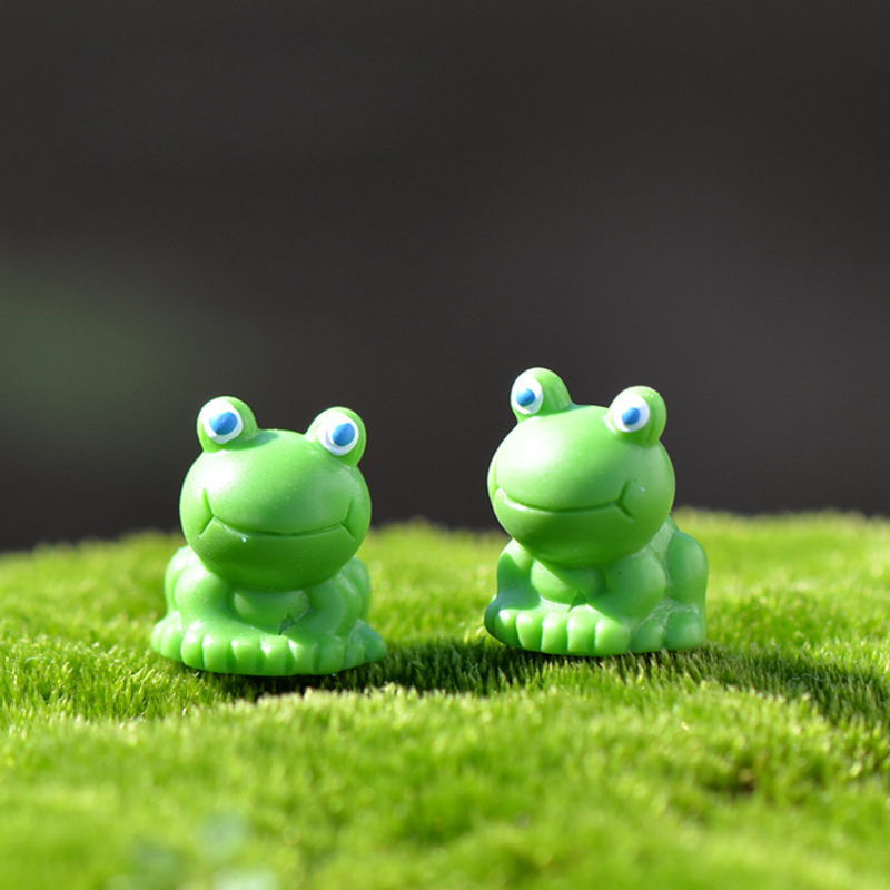 1Pcs Cute Frog DIY Resin Fairy Garden Craft Decoration Miniature Micro Gnome Terrarium Gift F0040(China (Mainland))