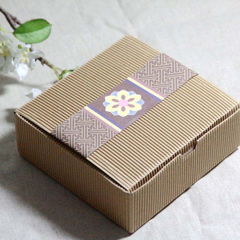 14*14*5cm vintage corrugated gift boxes plain party favor cake box Food packing 100piece\lot. Free shipping(China (Mainland))