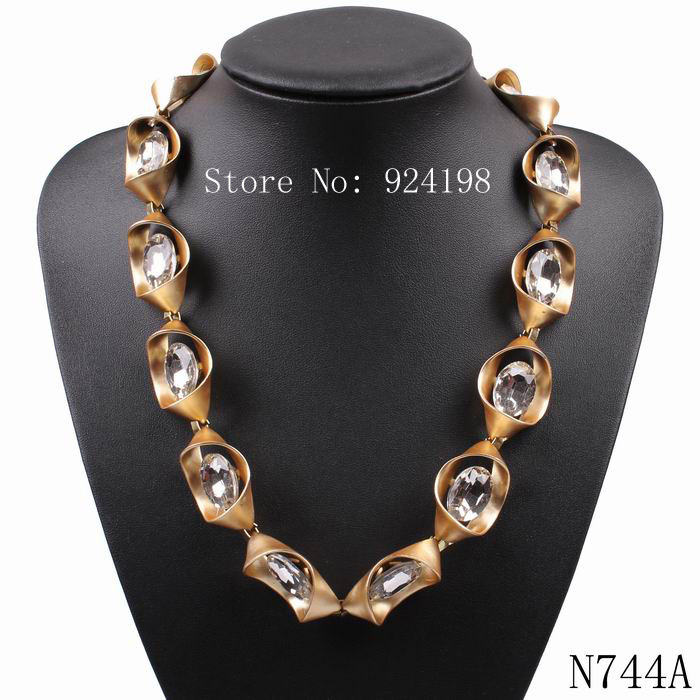 2015 new arrival design fashion gold chain cheap sexy brand crystal necklace statement pendant necklace for girls jewelry(China (Mainland))