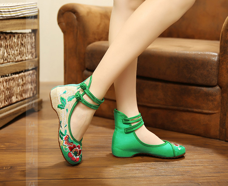 Гаджет  High Internal Had Embroidered Cloth Shoes Sell Like Hot Cakes Dance Party Embroidered Shoes Womens Shoes Heels Women Shoes None Обувь