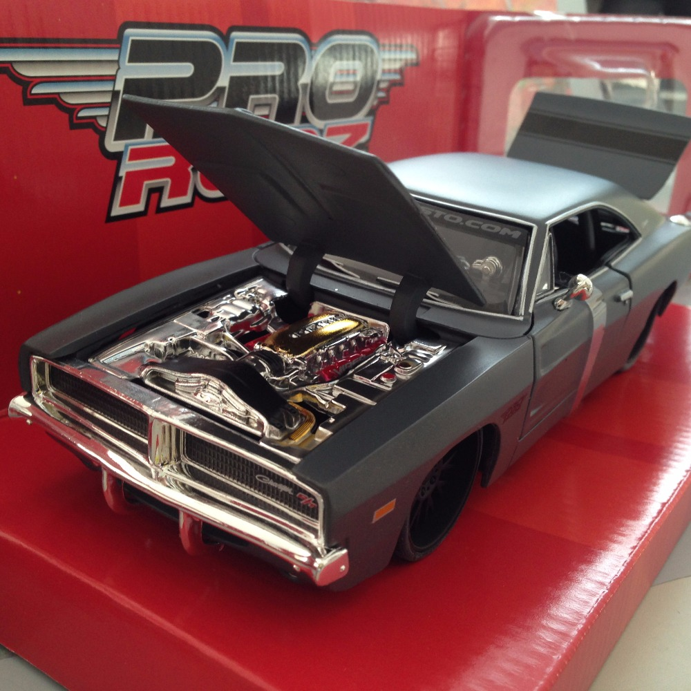 1:24 Alloy Diecast 1969 Dodge Charger R/T (refires edition) Maisto car model Free shipping(China (Mainland))