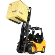Free shipping 1PCS/LOts REMOTE CONTROL MINI FORKLIFT RC TRUCK TOY(China (Mainland))