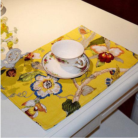 Ethnic Classic Kitchen Accessories Doilies Crochet Doilies Tablecloth Square Paper Doilies Colchonetas Cup Coaster 32*45cm 2Pcs(China (Mainland))