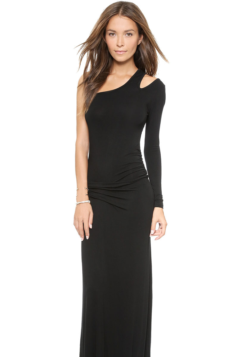 From scalloped long sleeve skater dresses to off-the-shoulder, long sleeve sweater dresses to sparkly long sleeve maxi dresses, we're serving up long-sleeved options for every vibe. Pretty up in a ruffle sleeve dress, go boho with a bell-sleeved embroidered dress, or drop jaws in a long sleeve backless dress.