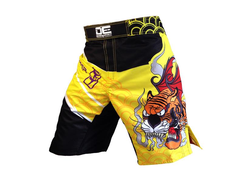 The new 2015 models MMA US DE Tiger MMA shorts Muay Thai shorts Sanda fighting training pants M-XXXL Size(China (Mainland))