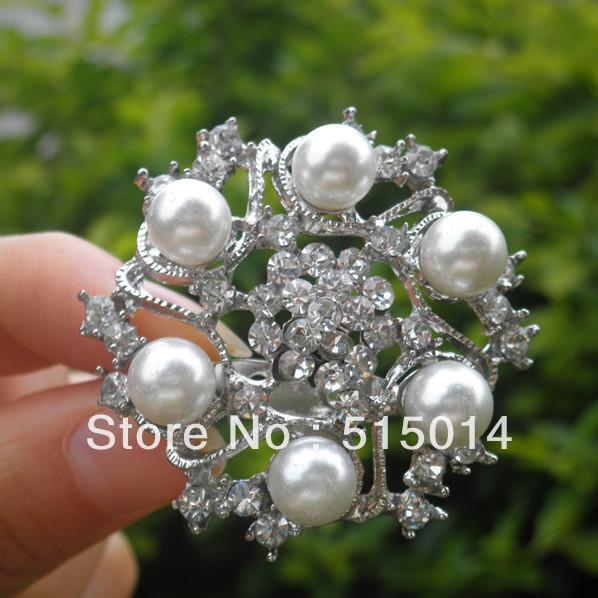 Free Shipping ! Pearl& Rhinestone Brooch With Pin .Price Negotiable for Large Order