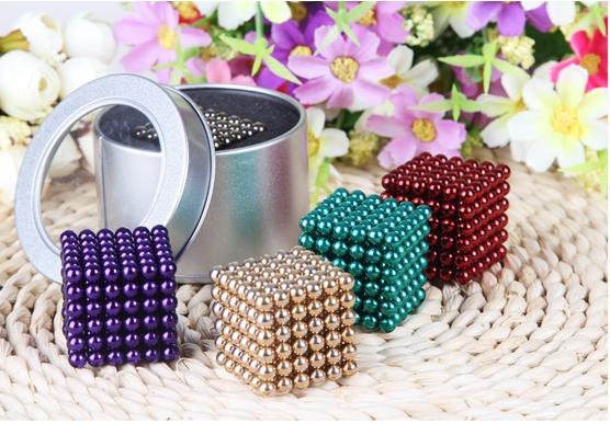 Magic cube 216 pcs Diameter 5mm multicolor Cubes Puzzle Cube Toy Sphere Magnet Magnetic Balls with Metal box 6*6*6 neo cube(China (Mainland))