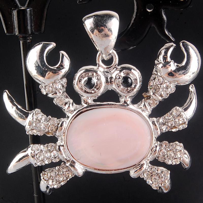 Free Shipping Fashion Jewelry 38x43mm Beautiful Pink Mother of pearl Shell Art Crab Pendant Bead C4224(China (Mainland))