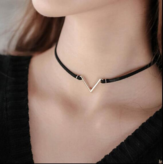 Fashion V Shape Choker Necklace Torques Summer Punk Style Black Short Velvet Collar Necklaces For Women collares collier femme