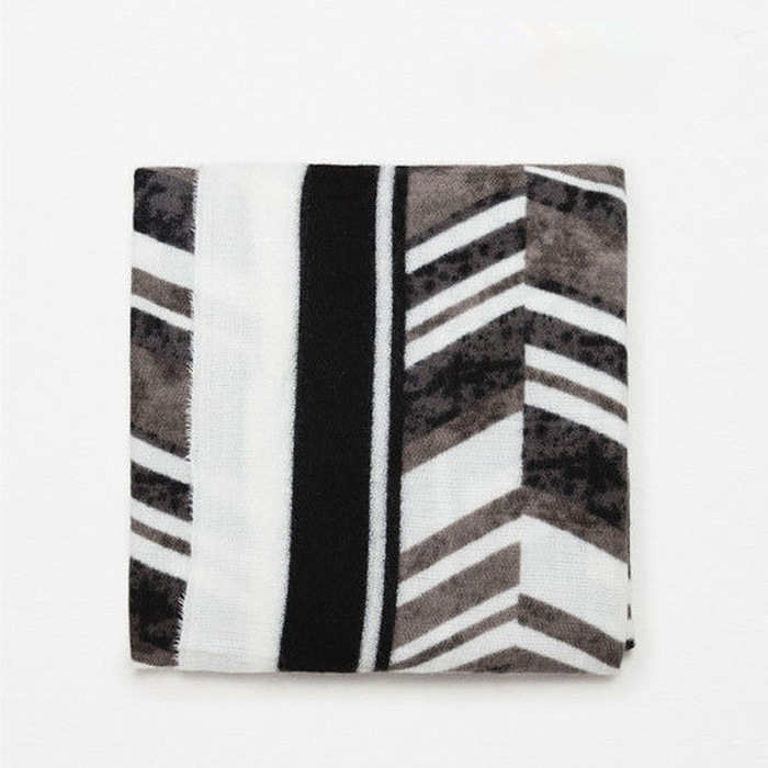 2016 Striped Black And White Printed Scarf Large Big In Europe The United States Winter Female Thickening Warm