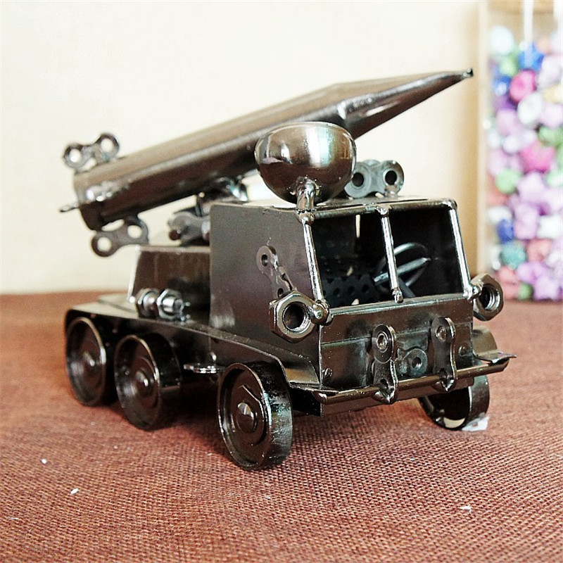 2016 model of the new model of the iron missile armored car model of the birthday gift surprise TC001
