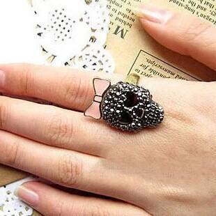 Vintage Europe Black Simulated Diamond skull rings for Women Rock Punk Gold Ring Fashion Jewelry Free shipping(China (Mainland))