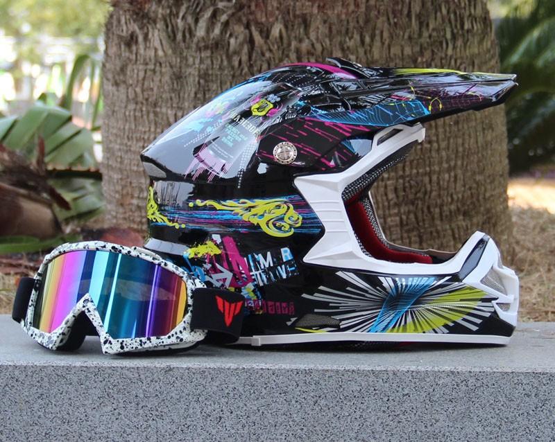2016 cool motorcycle helmet ATV off-road racing mountain bike helmet DOT motocross helmets with goggles gift(China (Mainland))