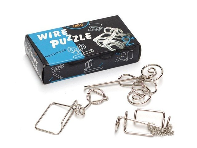 Free shipping of  Baguenaudier wire  Brain Teaser puzzle Gift box