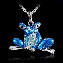 2016 Hot Antique Retro Enamel Alloy Pendant With Rhinestone Necklaces Sweater Animal Frog Necklace For Party Gift Long Necklace(China (Mainland))