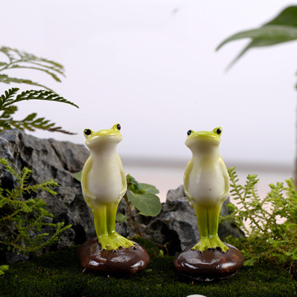 2pcs House ornaments Garden Figures Animal Frog Fairy Decoration Resin crafts Home jardin Terrarium Figurine DIY Moss Miniatures(China (Mainland))
