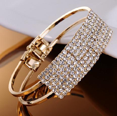 Fashion Korea sweet Hollow out rhinestone bracelet bangle jewelry ! cRYSTAL sHOP(China (Mainland))